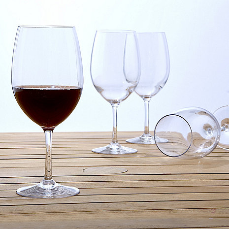 [wine glasses]